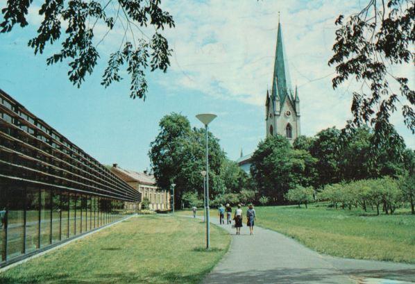 linkoping-domkyrkan-och-biblioteket-uz-0445