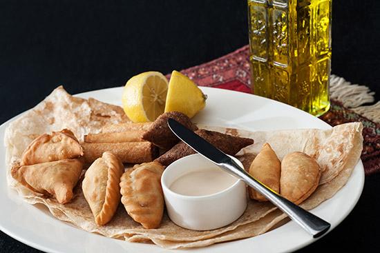 article-middleeasternfood-inarticle-sambousek